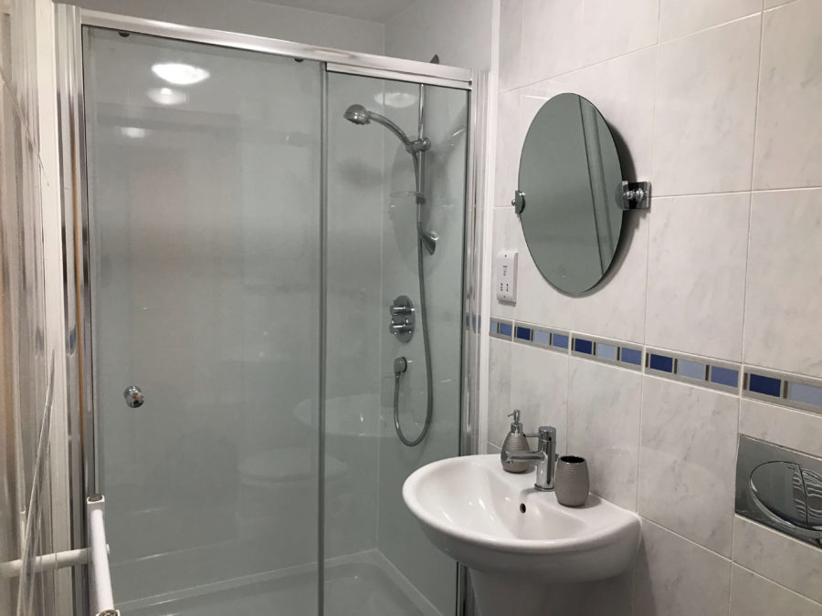 Double Shower En Suite Glasgow